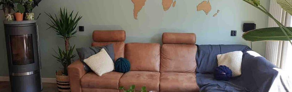 Een nieuw interieur met kussens, plaids en stoffen