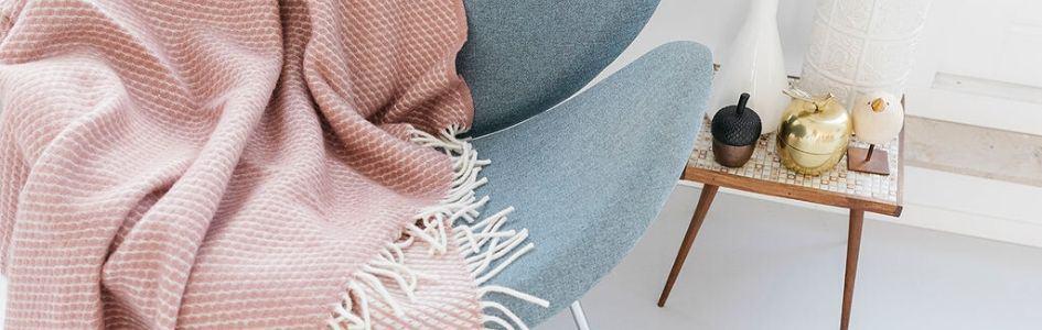 plaid roze stoel