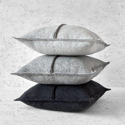 Kussens grijs wol