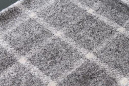 grijze plaid wol ruiten