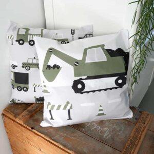 Kussen kinderkamer Graafmachine olijfgroen
