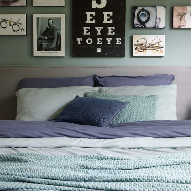 kussens slaapkamer grijs
