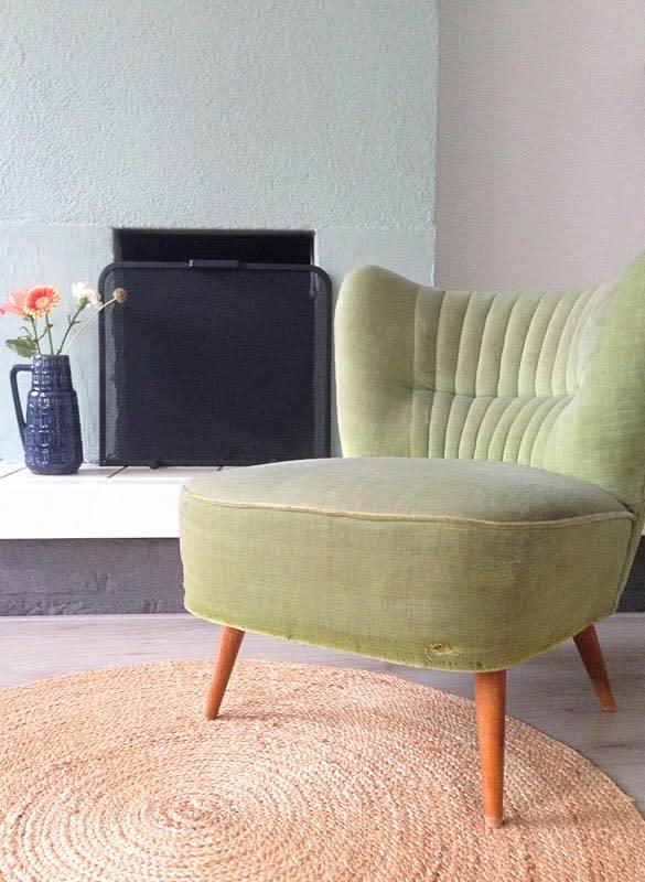 oud stoeltje groen