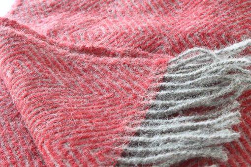 plaid rood visgraat wol