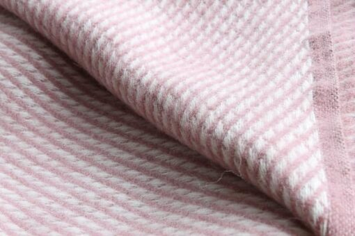 roze plaid wit klippan wol