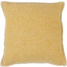 sierkussen geel okergeel lamswol klippan samba
