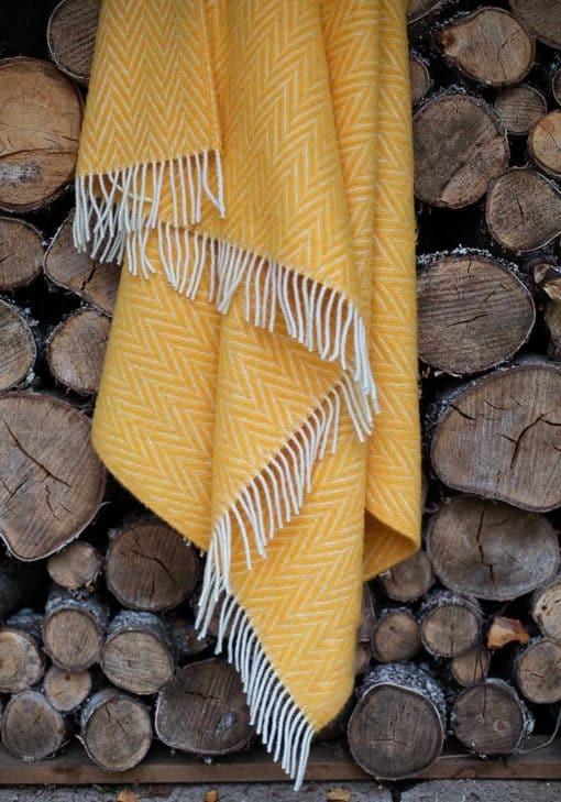 gele plaid wol visgraat