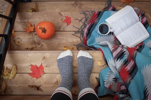 plaid sokken interieur herfst