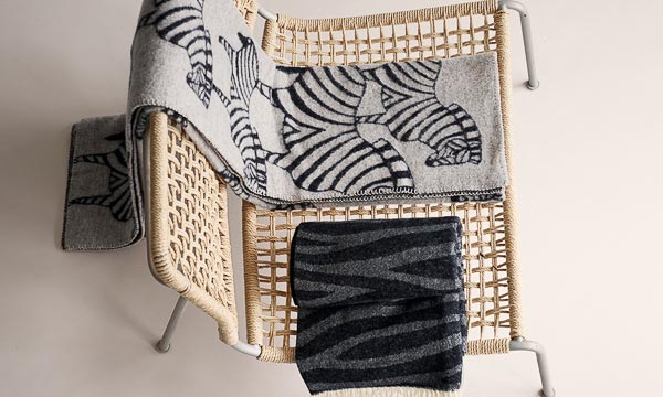 Plaid Grijs Zwart.Plaid Lamswol Zebra Grijs Zwart