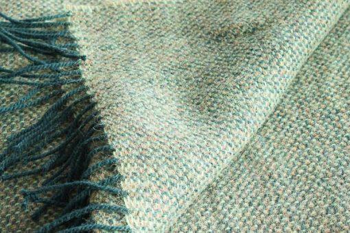 groene plaid wol mcnutt leaf