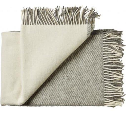 plaid deken grijs wit blokken wol silkeborg