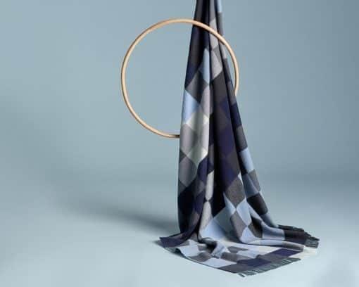 blauwe grijze plaid wol merino blokken