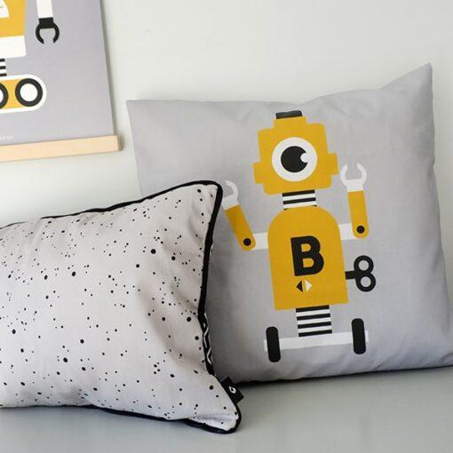 kussen grijs geel robot kinderkamer