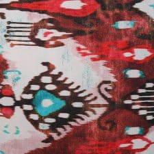 sierkussen rood blauw patroon