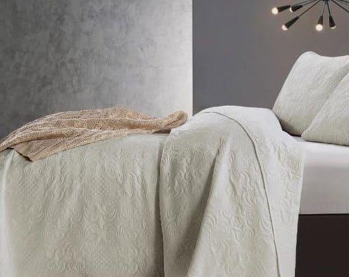 sprei crème bed