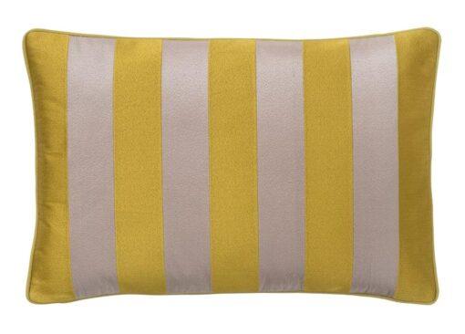 kussen geel roze strepen geborduurd