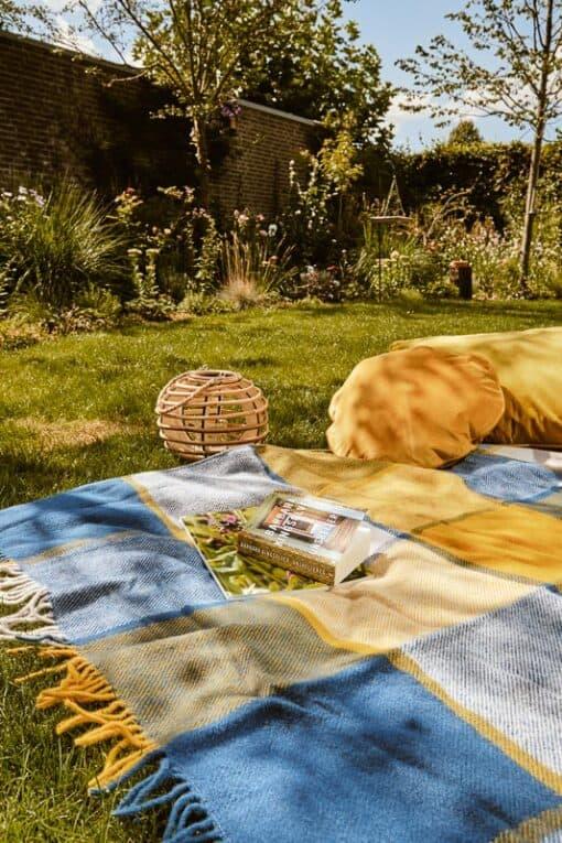 blauw geel picknickkleed wol ruiten
