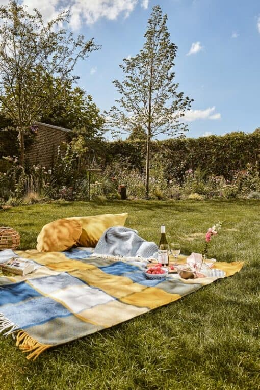 wollen picknickkleed blauw geel ruiten