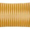 kussen geel velvet bungalow kussenhoes