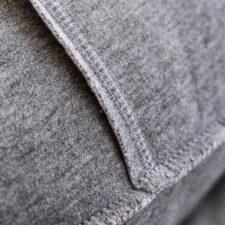kussen grijs detail moyha jersey