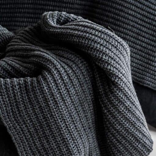 plaid grijs antraciet wol gebreid moyha