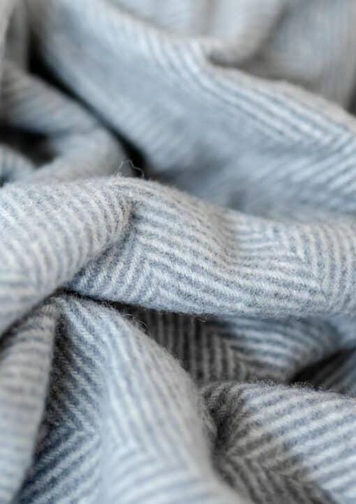 deken grijs wol visgraat