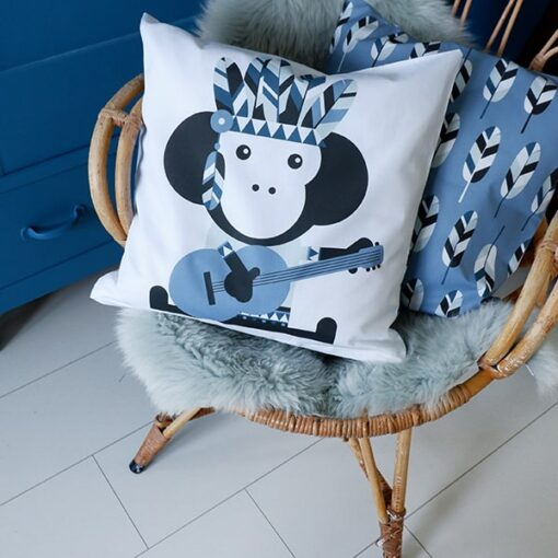 kussen aap jeansblauw kinderkamer
