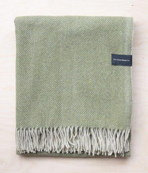deken olijfgroen wol visgraat