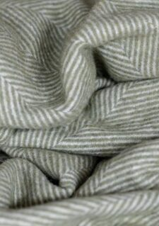 deken olijfgroen visgraat recycled