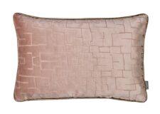 Kussen roze velvet raaf packman langwerpig
