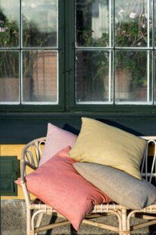 kussens katoen linnen roze geel beige bungalow