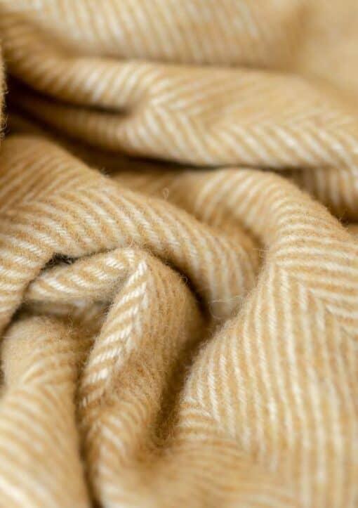 picknickkleed geel visgraat wol detail