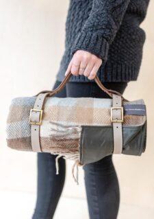 picknickkleed ruiten beige wol