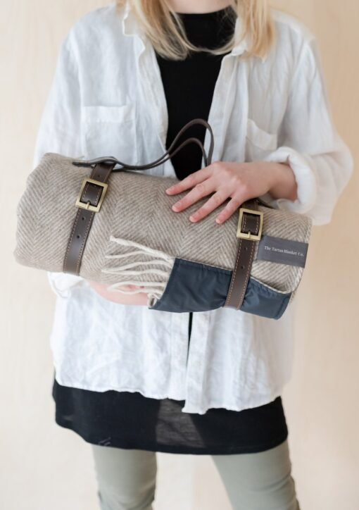 Picknickkleed wit beige visgraat wol