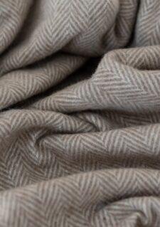 Wollen picknickkleed beige wolwit visgraat