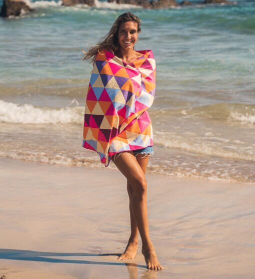 Strandhanddoek met geometrische print driehoeken