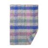 wiegdeken roze blauw grijs wol ruitjes